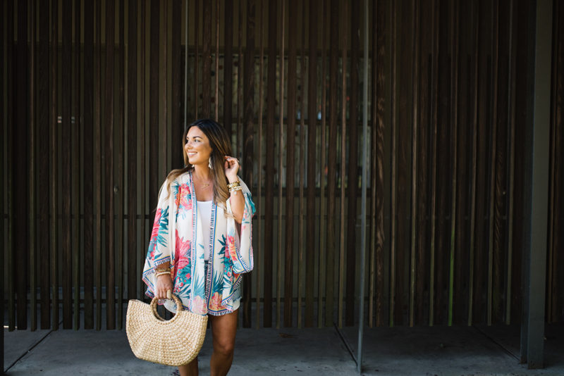 My kimono obsession continues with LeBoutique. Rock a kimono multiples ways. Read more to find out how I add a splash of floral along with how I let go of fears and worries.