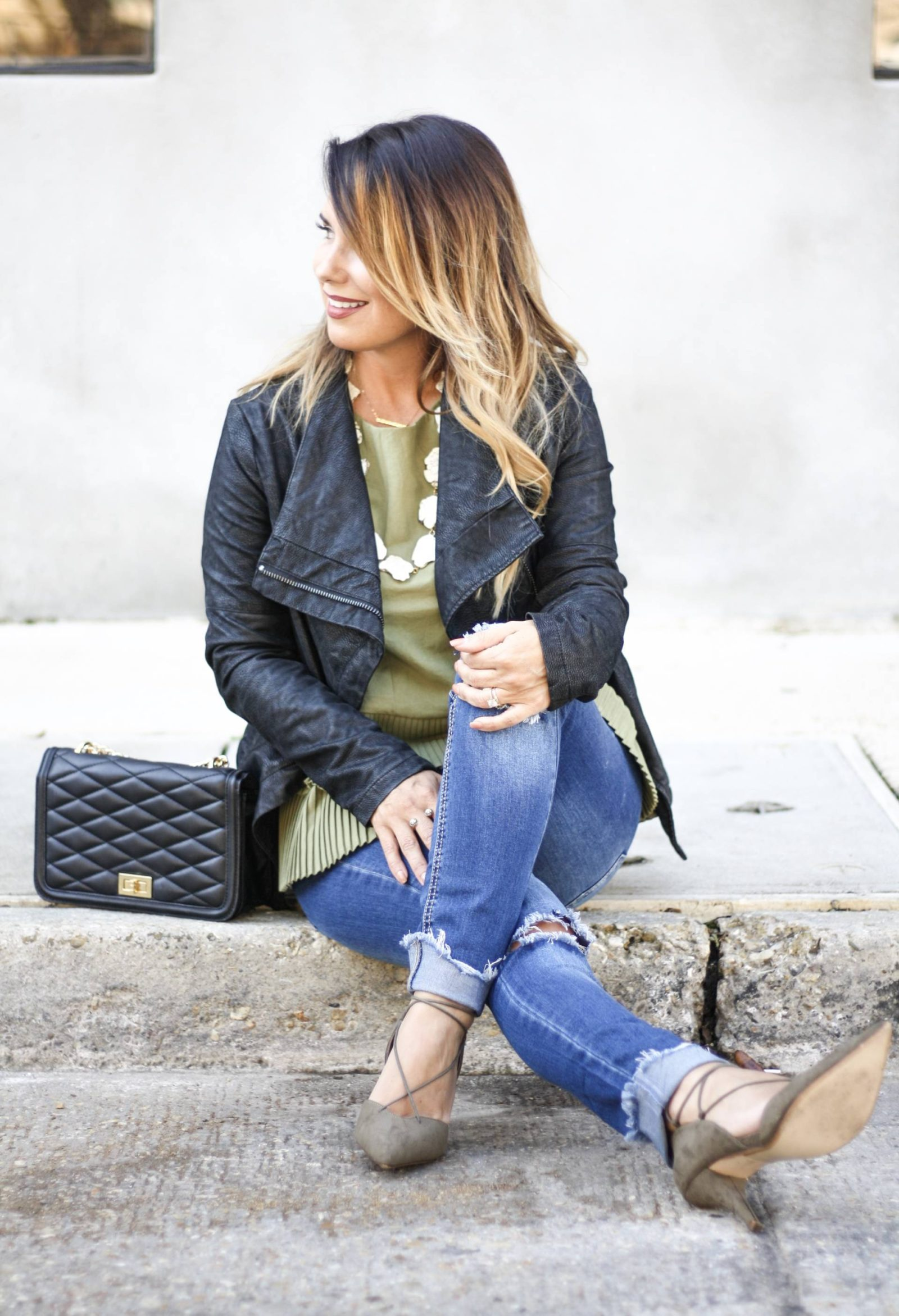 3 ways to style basic jeans throughout the fall and winter