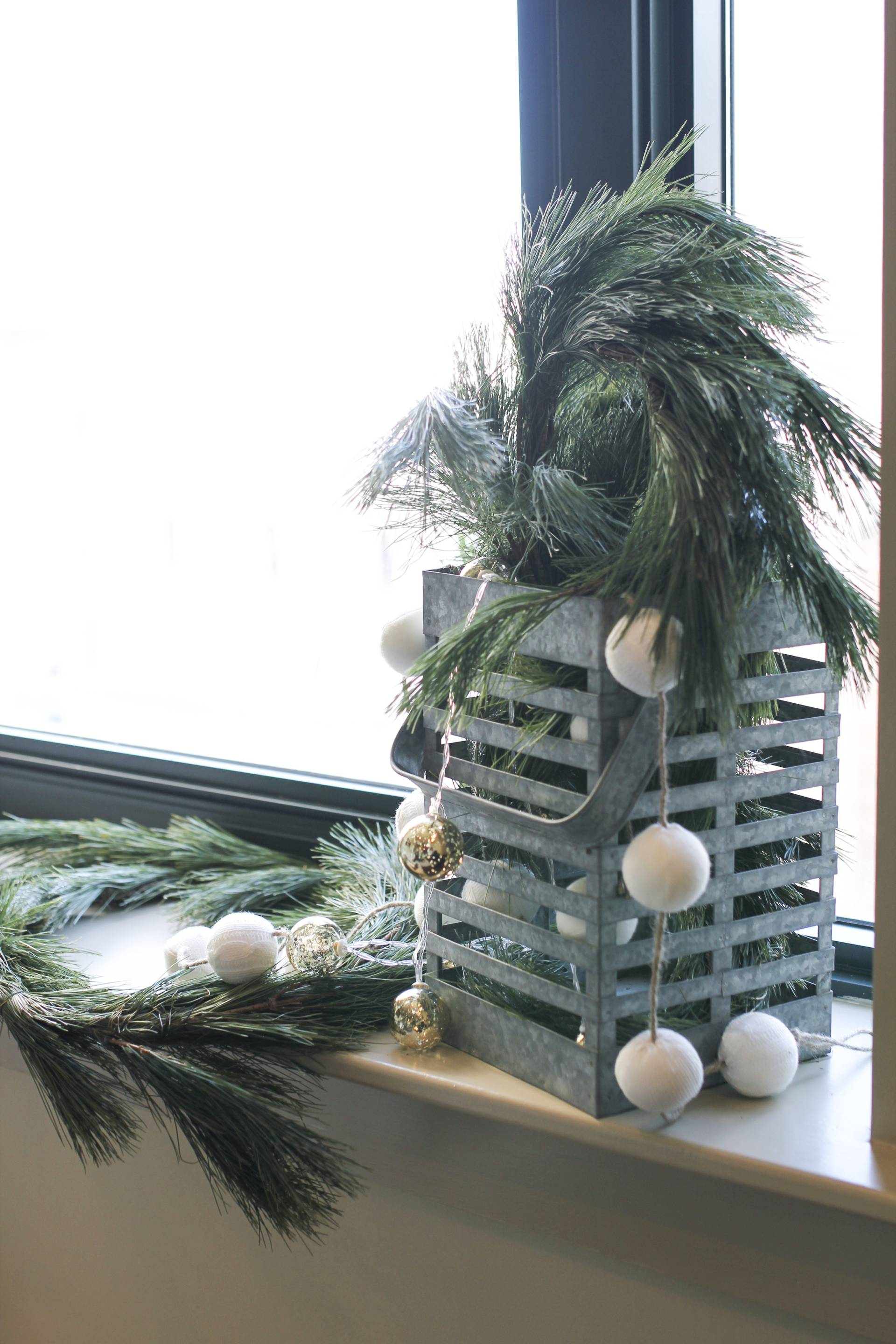 condo christmas: how to deck the halls in a small space - dashing