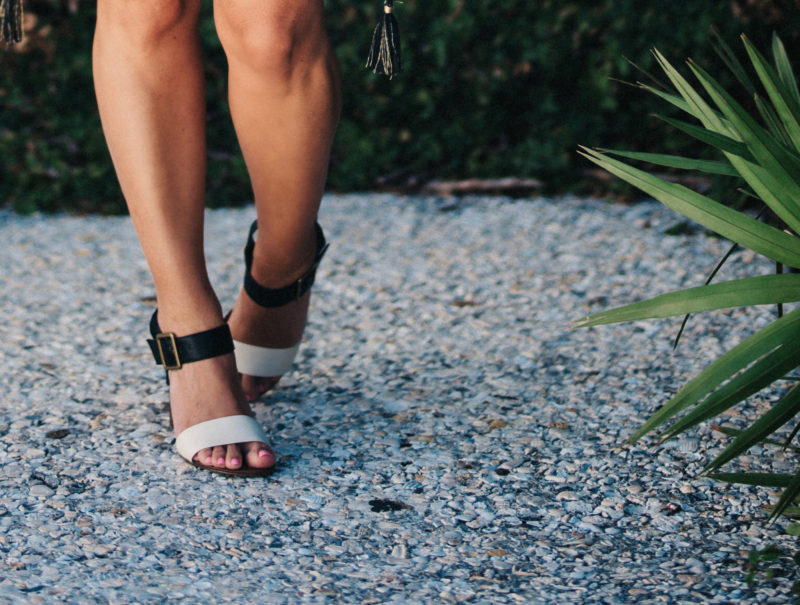 Perfect heels for spring and summer that can styled multiple ways is on the blog today. Read more to see where to find affordable yet stylish heels.