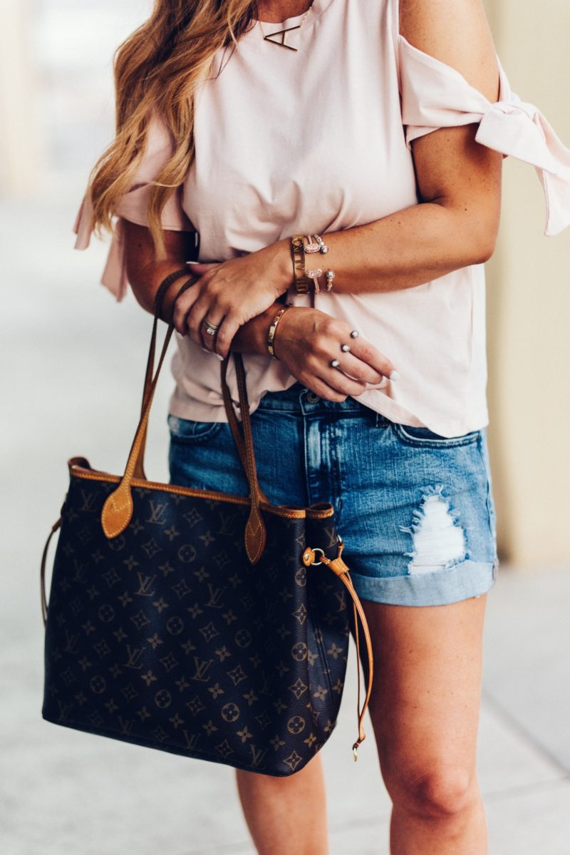 Cold shoulder tops for under $20. Read more to see how you can save and not splurge on your fashion forward wardrobe.