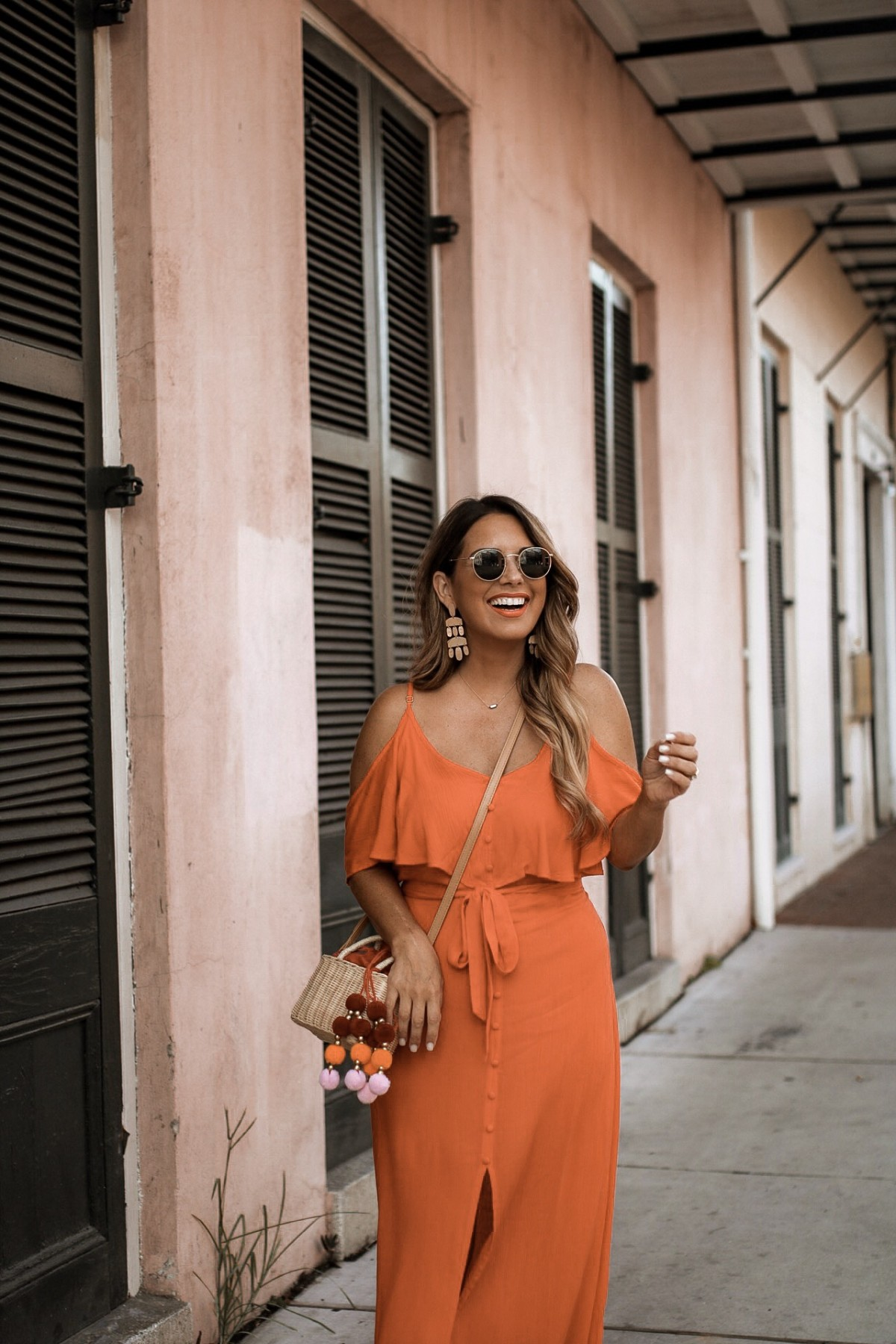 PERFECT CORAL MAXI FOR BRUNCH WITH THE GIRLS OR DATE NIGHT WITH MY MAN. SHOP THE BEST PETITE MAXIS AT RIVER ISLAND. SHARING MORE DETAILS ON THE BLOG.