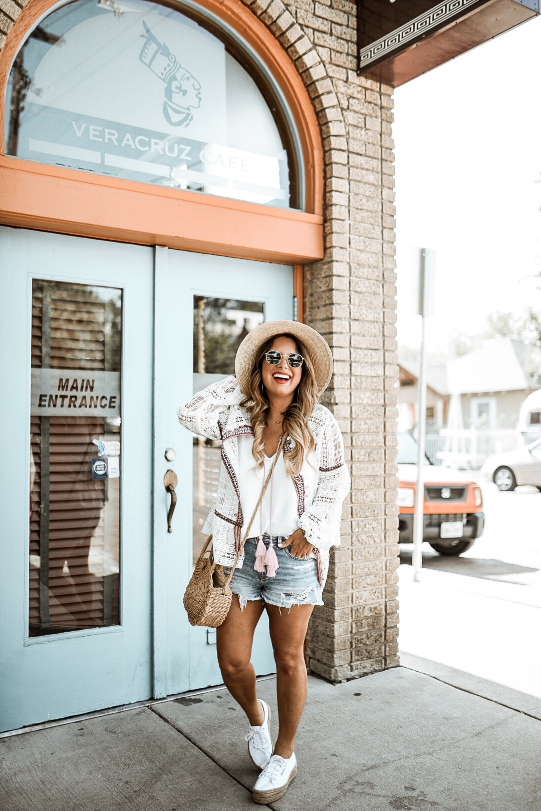 CASUAL OUTFIT FOR A DAY OF EXPLORING DALLAS. OPEN FRONT TOP WITH CROCHET AND TASSEL DETAILS. READ MORE ABOUT MY RIVER ISLAND SUMMER STYLE ON THE BLOG.