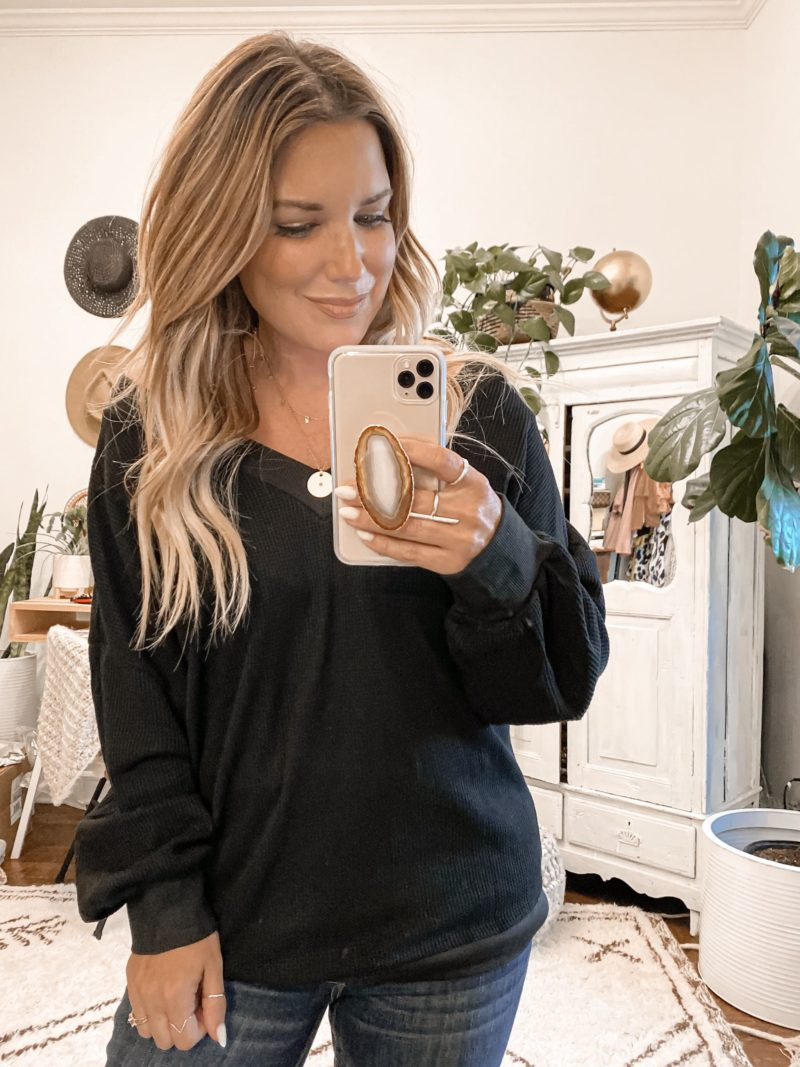 SHARING SOME OF MY LATEST AMAZON FALL FINDS. CHUNKY SWEATERS, CARDIGANS, AND TOPS THAT ARE ALL BUDGET FRIENDLY AND TRENDY.