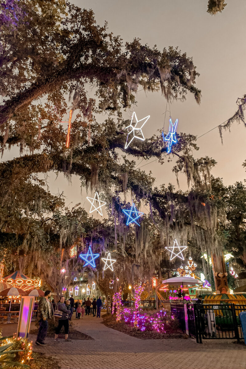 CELEBRATION IN THE OAKS WITH THE FAMILY IS A TRADITION EVERY HOLIDAY SEASON. CHRISTMAS LIGHTS, HOT CHOCOLATE, SANTA PICTURES, ROLLER COASTERS AND MORE.